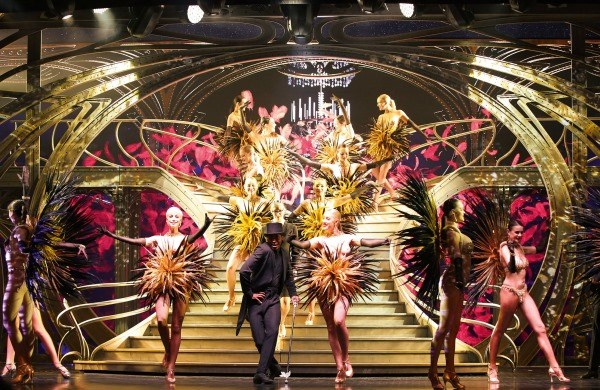 "Lido de Paris - Show ""Paris Merveilles & Champagne"" - Christmas offer"