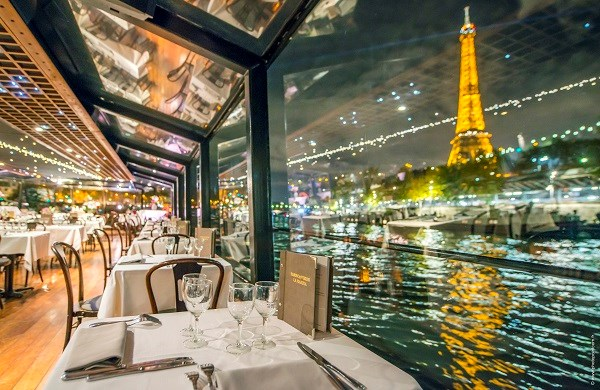 Dinner-Cruise & Champagne 9.15pm - La Marina