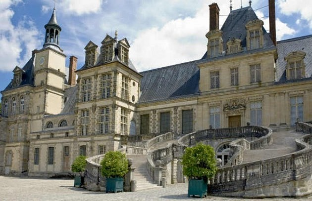 Excursion 2 chateaux: Vaux-le-Vicomte and Fontainebleau from Paris