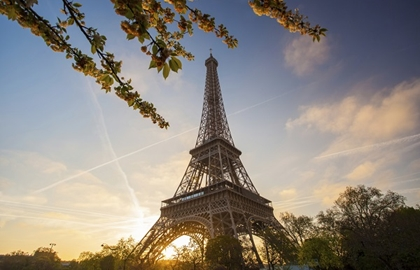 Eiffel Tower Top Floor Ticket – Priority access