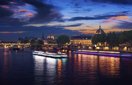 New Year's Eve Dinner Cruise - Bateaux-Mouches