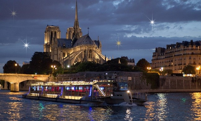 Bateaux Parisiens - River cruise New Year's Eve