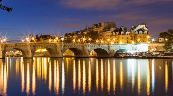 New Year's Eve Champagne cruise - Vedettes du Pont-Neuf