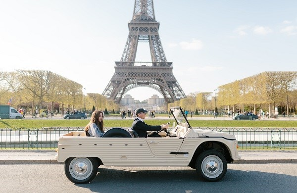 Paris tour on a Citroën Méhari car