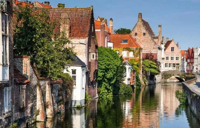 Visit to Bruges from Paris