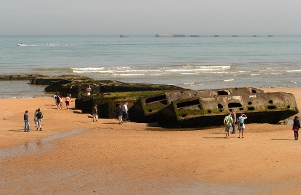 Visit to Normandy and the landing beaches from Paris