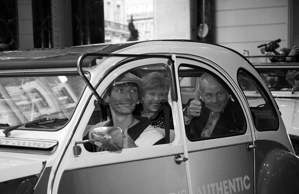 Paris Romantic tour in a 2CV