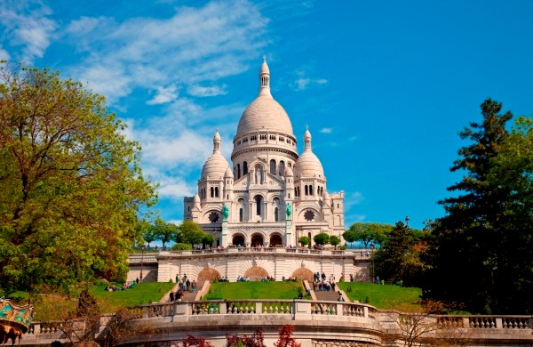 Guided Visit of Montmartre and the Louvre Museum with Skip-the-line access