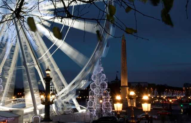 New Year's Eve: Christmas Lights Tour and Dinner Cruise - La Marina